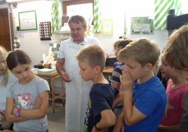 Papiernička Petrus papier v obvi Prietrž v okrese Senica